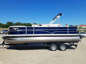 Used Sylvan Mirage 8522 Party Fish Pontoon Boat For Sale