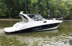 Used Larson Cabrio 370 Motor Yacht For Sale
