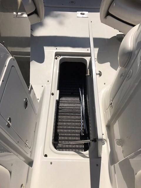 2006 Used Crownline 220 EX Cruiser Boat For Sale - $18,500