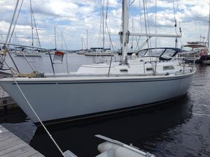 Used Pearson 33 - 10M Cruiser Sailboat For Sale