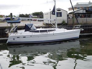 Used Hunter 33E Cruiser Sailboat For Sale