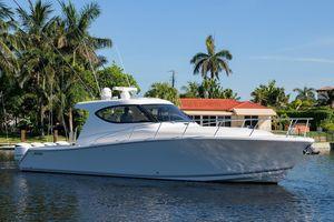 Used Jupiter Sport Bridge Center Console Fishing Boat For Sale