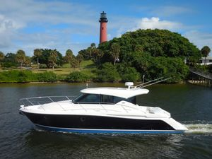 Used Tiara 39 Coupe Express Cruiser Boat For Sale