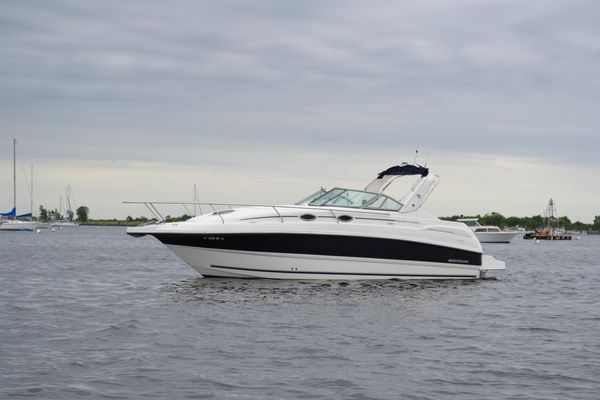 Used Mustang 3200 Sport Cruiser Express Cruiser Boat For Sale