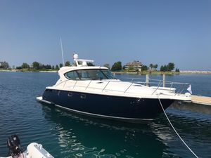 Used Tiara 4500 Sovran Express Cruiser Boat For Sale