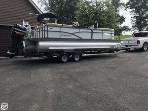 Used Manitou 23 Aurora VP SHP Tri-Toon Pontoon Boat For Sale