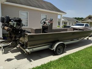 Used Pro-Drive SBX-Series 24 Aluminum Fishing Boat For Sale