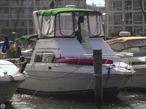 Used Mainship 31 Sedan Bridge Express Cruiser Boat For Sale