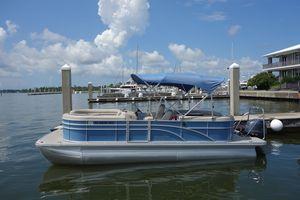 Used Bennington SX22 Pontoon Boat For Sale