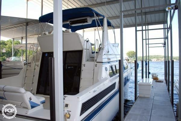 Used Carver 3897 Santego Cruiser Boat For Sale