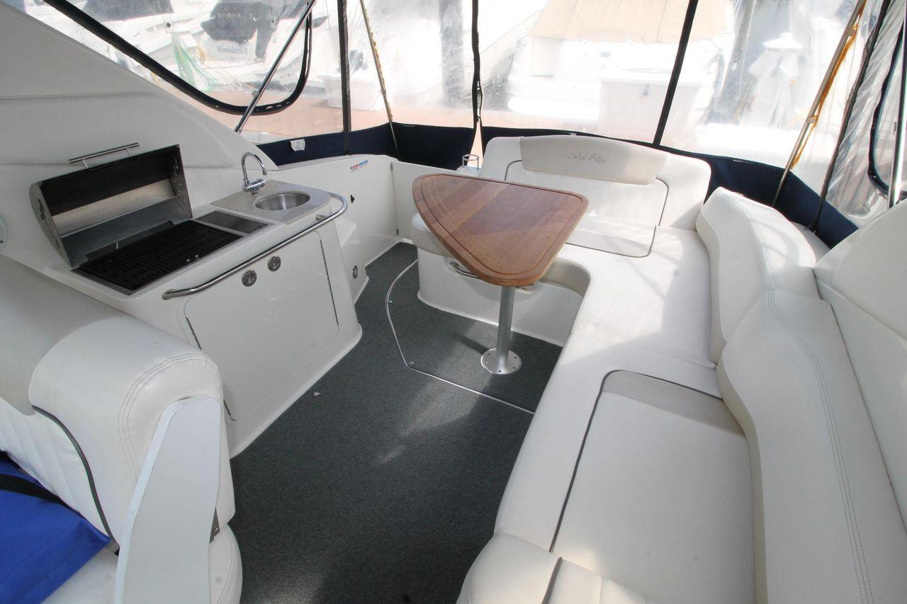 2011 Used Sea Ray 280 Sundancer Sports Cruiser Boat For Sale