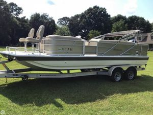 Used Hurricane FD226F Pontoon Boat For Sale