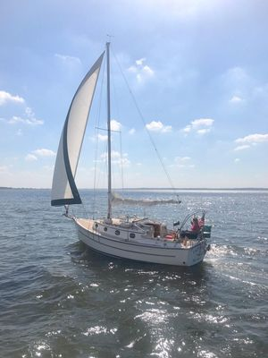 Used Com-Pac 27 Sloop Cruiser Sailboat For Sale