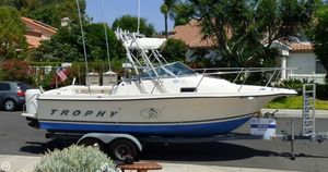 Used Trophy 2052 FD Walkaround Fishing Boat For Sale