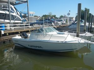 Used Seaswirl Striper Center Console Fishing Boat For Sale