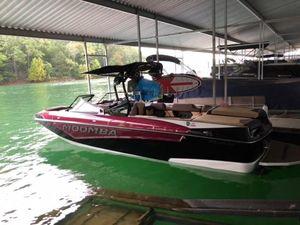 New Moomba MakaiMakai Ski and Wakeboard Boat For Sale