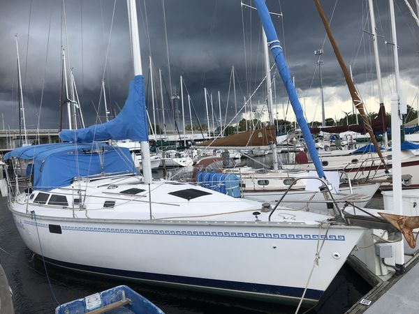 Used Hunter 37.5 Legend Cruiser Sailboat For Sale