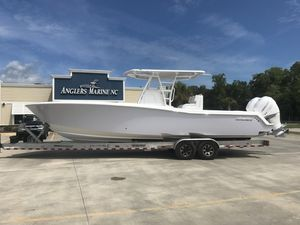 New Invincible 3333 Center Console Fishing Boat For Sale