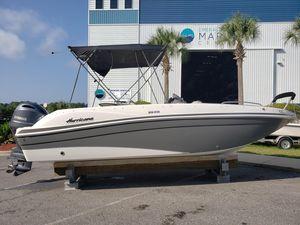 New Hurricane Sundeck Sport 218 OB Bowrider Boat For Sale