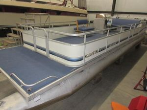 Used Manitou Limited 28 Pontoon Boat For Sale