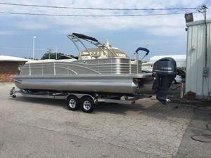 Used Bennington 2572 QCW Pontoon Boat For Sale