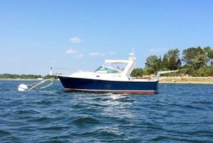 Used Shannon Brendan 28 Express Cruiser Boat For Sale