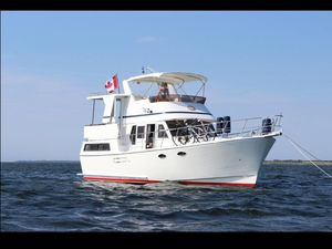 Used Marine Trader 38 Sundeck Trawler Boat For Sale