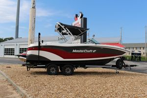 New Mastercraft XT22 High Performance Boat For Sale