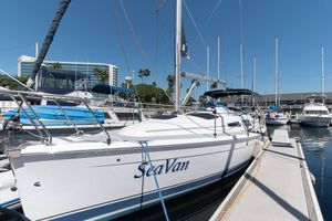 Used Hunter 33 Daysailer Sailboat For Sale