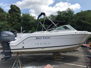 Used Robalo R227 Dual Console Bowrider Boat For Sale