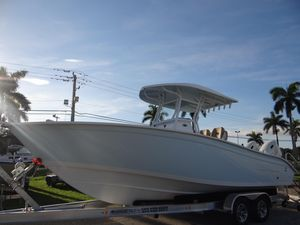 New Cape Horn 27XS27XS Deck Boat For Sale