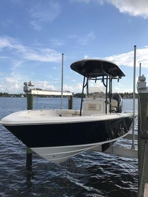 Used Sea Chaser 26 LX Center Console Fishing Boat For Sale