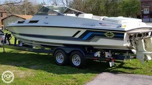 Used Magnum Marine 27 Sports Sedan Express Cruiser Boat For Sale