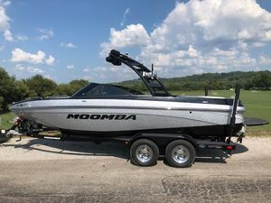 Used Moomba LSVLSV Ski and Wakeboard Boat For Sale