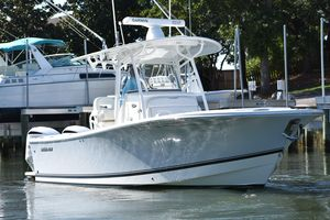 Used Regulator 28 Forward Seating28 Forward Seating Center Console Fishing Boat For Sale