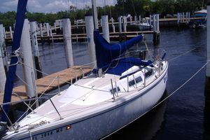 Used Catalina 25 Tall Rig Sloop Sailboat For Sale