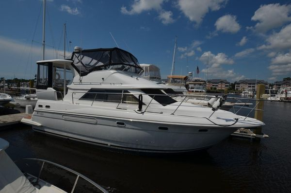 Used Cruisers 3750 Motor Yacht For Sale