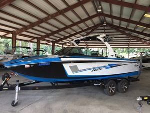 Used Tige RZ2RZ2 Ski and Wakeboard Boat For Sale