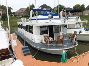 Used Pluckebaum Rivermaster House Boat For Sale