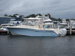 New Grady-White Express 330 Express Cruiser Boat For Sale