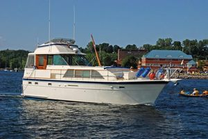 Used Hatteras 43 Double Cabin Antique and Classic Boat For Sale