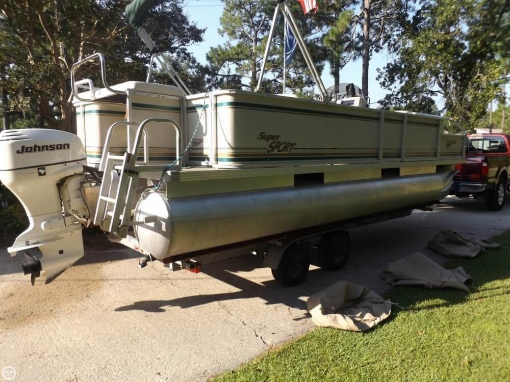 2004 Used Crest Super Sport Pontoon Boat For Sale 16 000