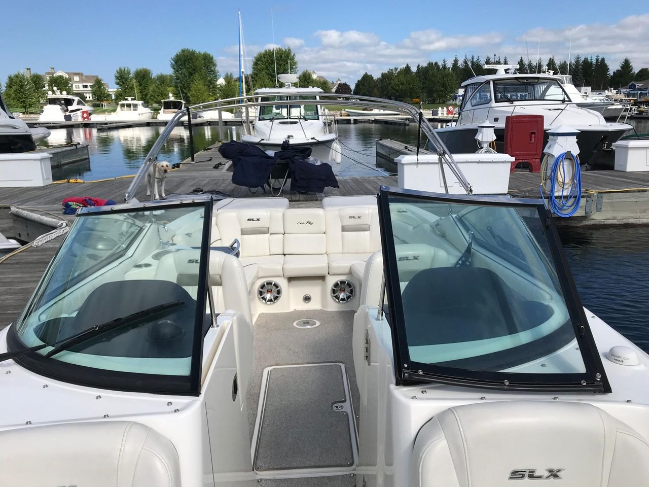 2007 Used Sea Ray 270 Select EX Cruiser Boat For Sale