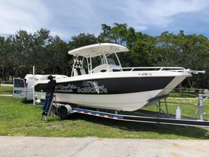 Used Twin Vee 260 SE Power Catamaran Boat For Sale