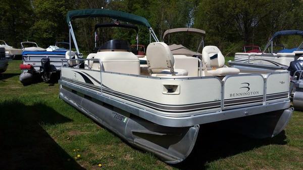 Used Bennington 205F Pontoon Boat For Sale