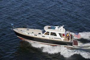 New Sabre SE Express Cruiser Boat For Sale