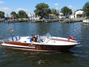 Used Chris-Craft Holiday 20' Antique and Classic Boat For Sale