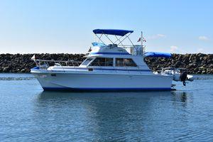 Used Uniflite Sports Sedan Sports Cruiser Boat For Sale