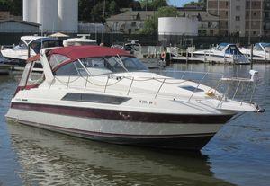 Used Carver Montego 3157 Express Cruiser Boat For Sale