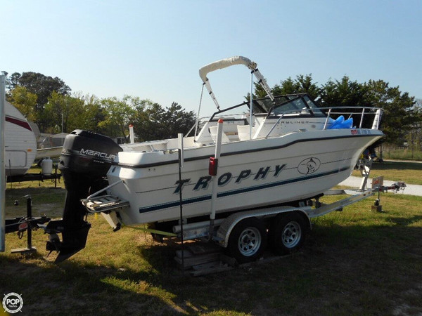 Used Bayliner 2002 WA Trophy Walkaround Fishing Boat For Sale